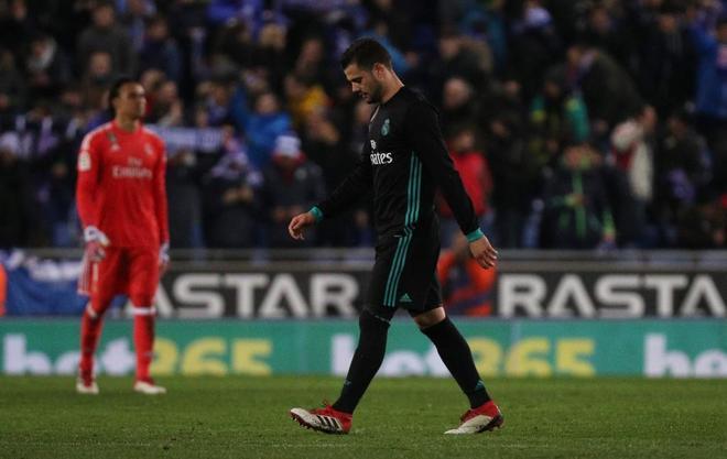 Nacho, cabizbajo tras la derrota del Real Madrid.