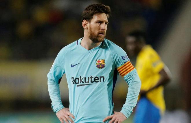 Leo Messi se lamenta tras el empate en Las Palmas.