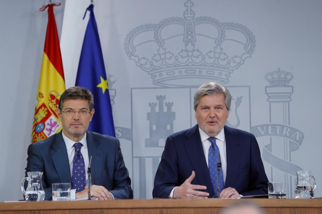 """El Gobierno """"no tolerará la farsa"""" de una investidura no presencial en Cataluña"""