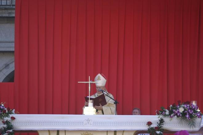 El cardenal de Madrid, Carlos Osoro, durante la celebración de la...