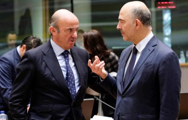 Bruselas presiona a España para que no suspenda adrede en el déficit