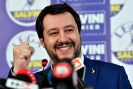 Matteo Salvini, candidato de la Liga a las elecciones de Italia, da una rueda de prensa en la sede del partido en Milán.