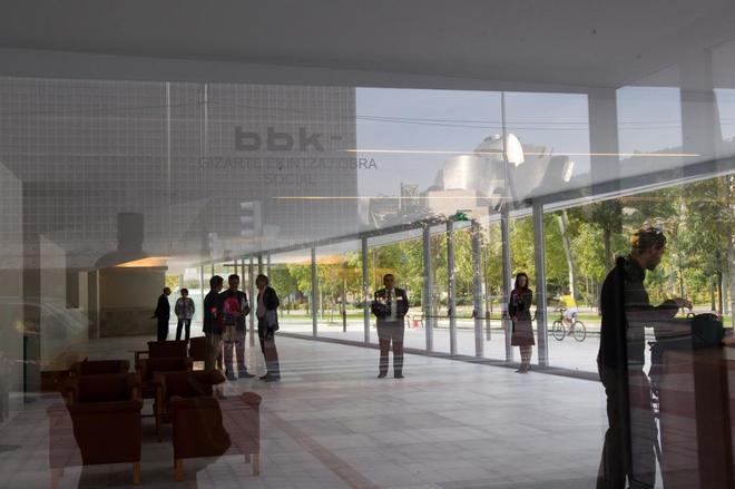 Hall de entrada del paraninfo de la Universidad del País Vasco UPV -...