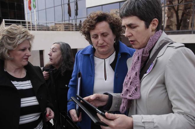 Francisca Granados, este miércoles a su llegada a los juzgados.