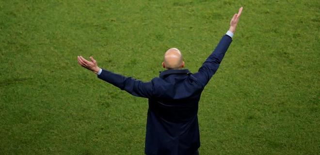Zinedine Zidane, durante el partido ante el PSG en París.