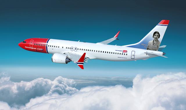 El avión de Norwegian con la imagen de la filósofa andaluza María Zambrano
