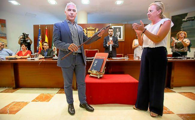 Armando Esteve al asumir la vara municipal el pasado mes a finales de agosto de 2016.