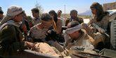 Dos hutíes prisioneros en la ciudad yemení de Taiz