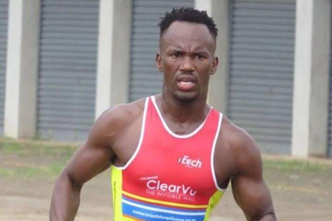 La pesadilla del triatleta Gwala: intentan cortarle las piernas con una motosierra mientras entrena