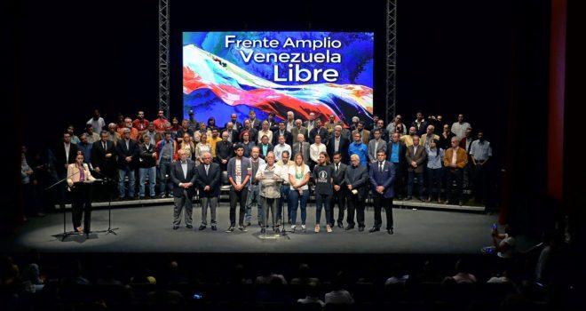 Presentación de la nueva coalición opositora Frente Amplio Venezuela Libre en Caracas.