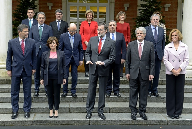 Mariano Rajoy, ayer, durante la foto oficial de su nuevo Ejecutivo...