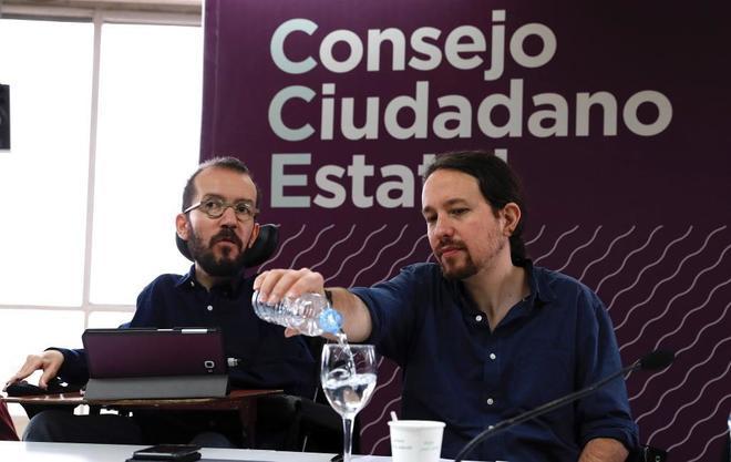 El secretario de Organización de Podemos, Pablo Echenique, y el líder de la formación, Pablo Iglesias