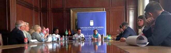 Reunión en la Diputación de Almería con los padres de Gabriel Cruz