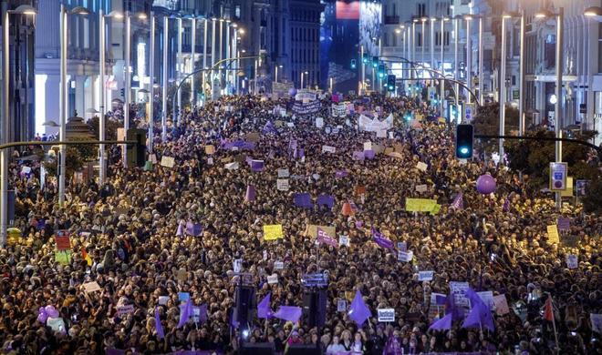 Manifiestación en Madrid del Día Internacional de la Mujer, que pidió, entre otras cosas, el fin de la violencia de género.