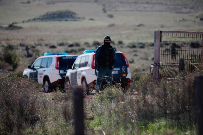 La Guardia Civil en la finca donde apareció el cadáver de Gabriel