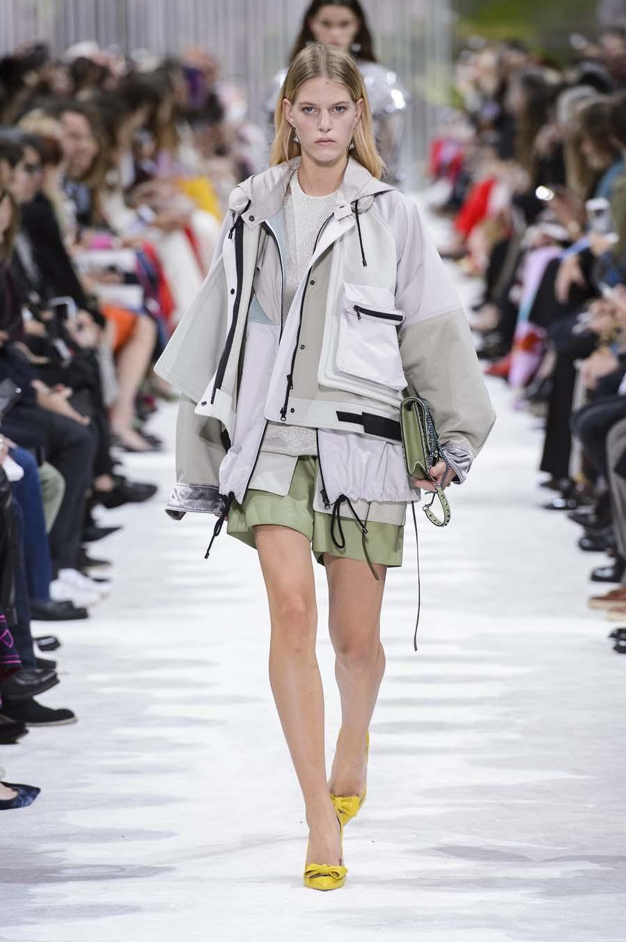 Valentino propuso en su colección primavera-verano 2018 mezclar estas...