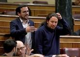 El Secretario General de Podemos Pablo Iglesias y Alberto Garzón,...