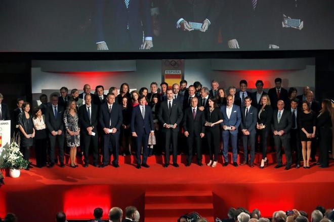 El rey Felipe VI posa durante la XII edición de la Gala Anual del Comité Olímpico Español.