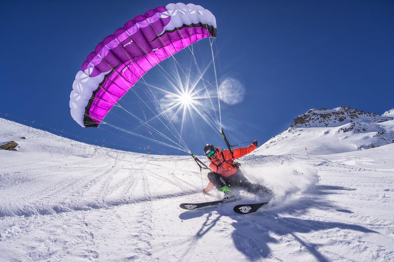 El speedride (mezcla entre parapente y esquí) permite, además de...