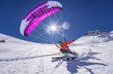 El 'speedride' (mezcla entre parapente y esquí) permite, además de...