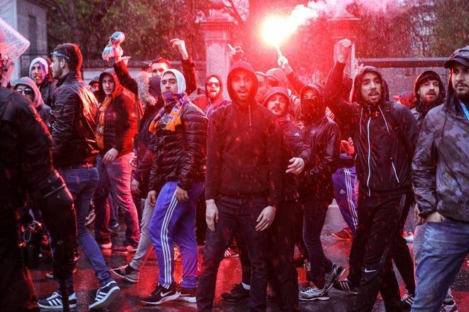 Herido en el cuello un vigilante en una agresión de hinchas del Marsella en San Mamés