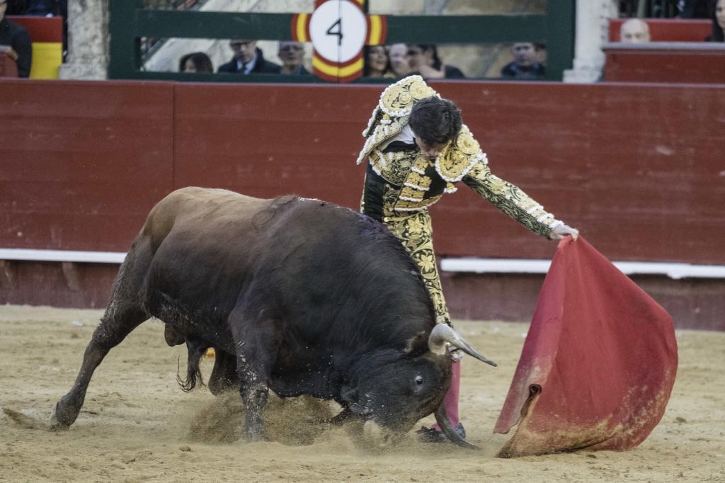 Superior natural de José Garrido al sexto de Fuente Ymbro