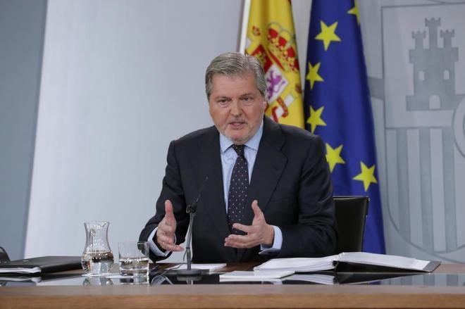 Íñigo Méndez de Vigo, en rueda de prensa tras el Consejo de Ministros.
