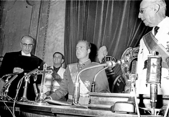 Resultado de imagen de juramento juan carlos I 1969 ante franco