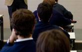 Niños en un colegio de Bilbao con uniforme