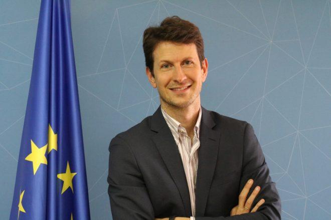 Consejero comercial y político de la Representación de la Comisión Europea en España., Jochen Müller.