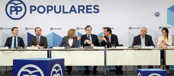 La dirección del PP, con Mariano Rajoy en el centro