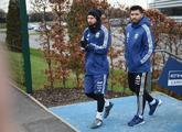 Leo Messi y el 'Kun' Agüero acuden, en Manchester, al entrenamiento...