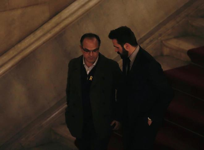 Jordi Turull, a su salida de la reunión de Junts per Catalunya en el...