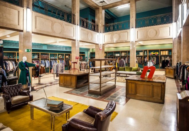 8254269834 Vintalogy  la tienda de ropa de segunda mano más grande de Europa ...