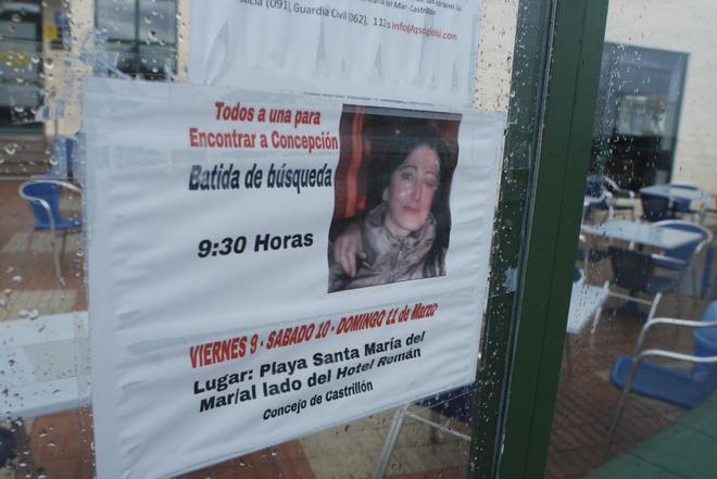Cartel con la fotografía de Concepción.