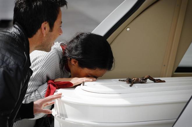 Los padres de Gabriel Cruz en su funeral.