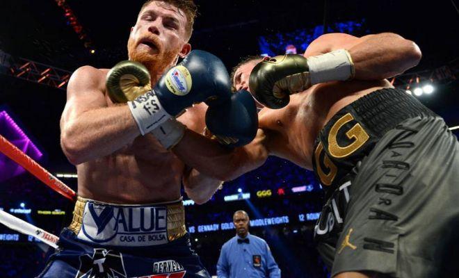 Golovkin castiga a 'Canelo', durante su pelea del pasado septiembre en Las Vegas.