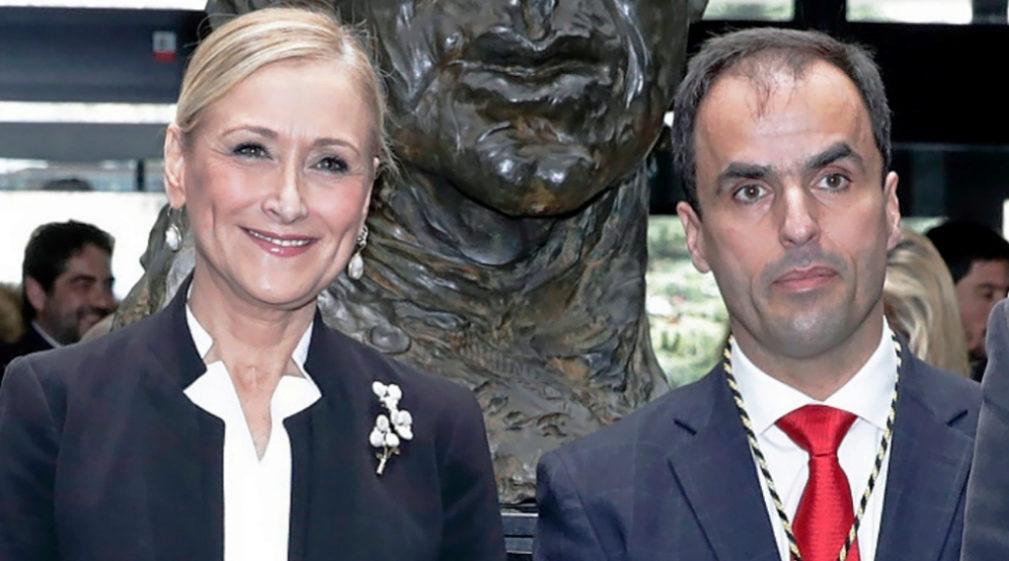 Cristina Cifuentes, presidenta de la Comunidad de Madrid, y Javier...