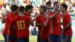 Fabián celebra su gol ante Estonia, primero del equipo.