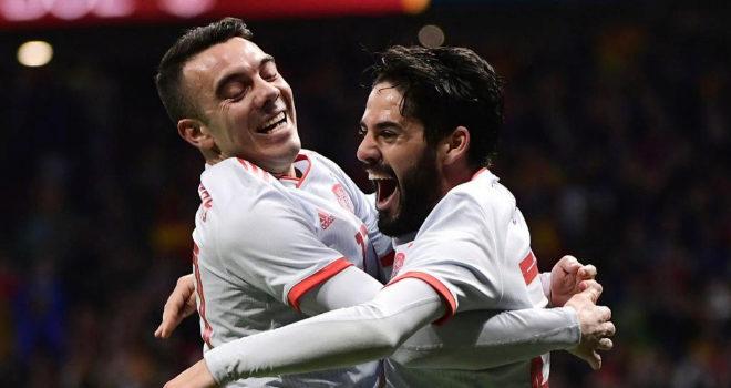 Iago Aspas e Isco celebran un gol en el partido ante Argentina.