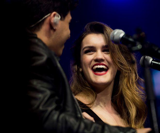 Alfred y Amaia durante un concierto