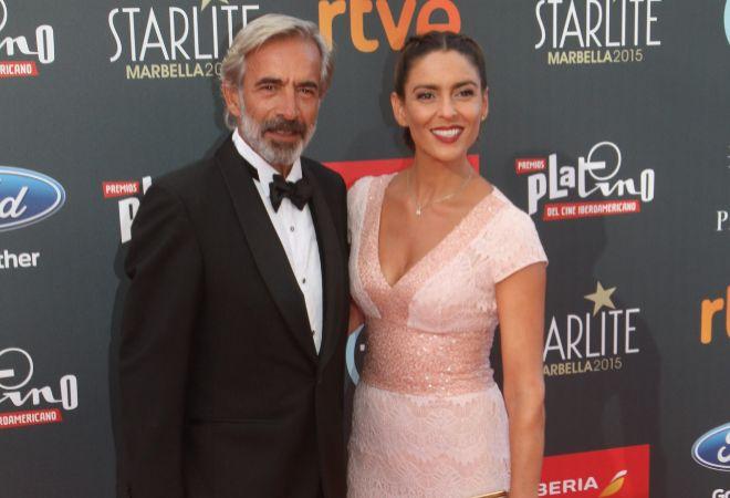 Imanol Arias e Irene Meritxell, en la gala Starlite de Marbella.