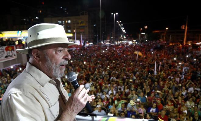 El ex presidente brasileño, Lula da Silva, en un mitin, en el estado Río Grande do Sul.