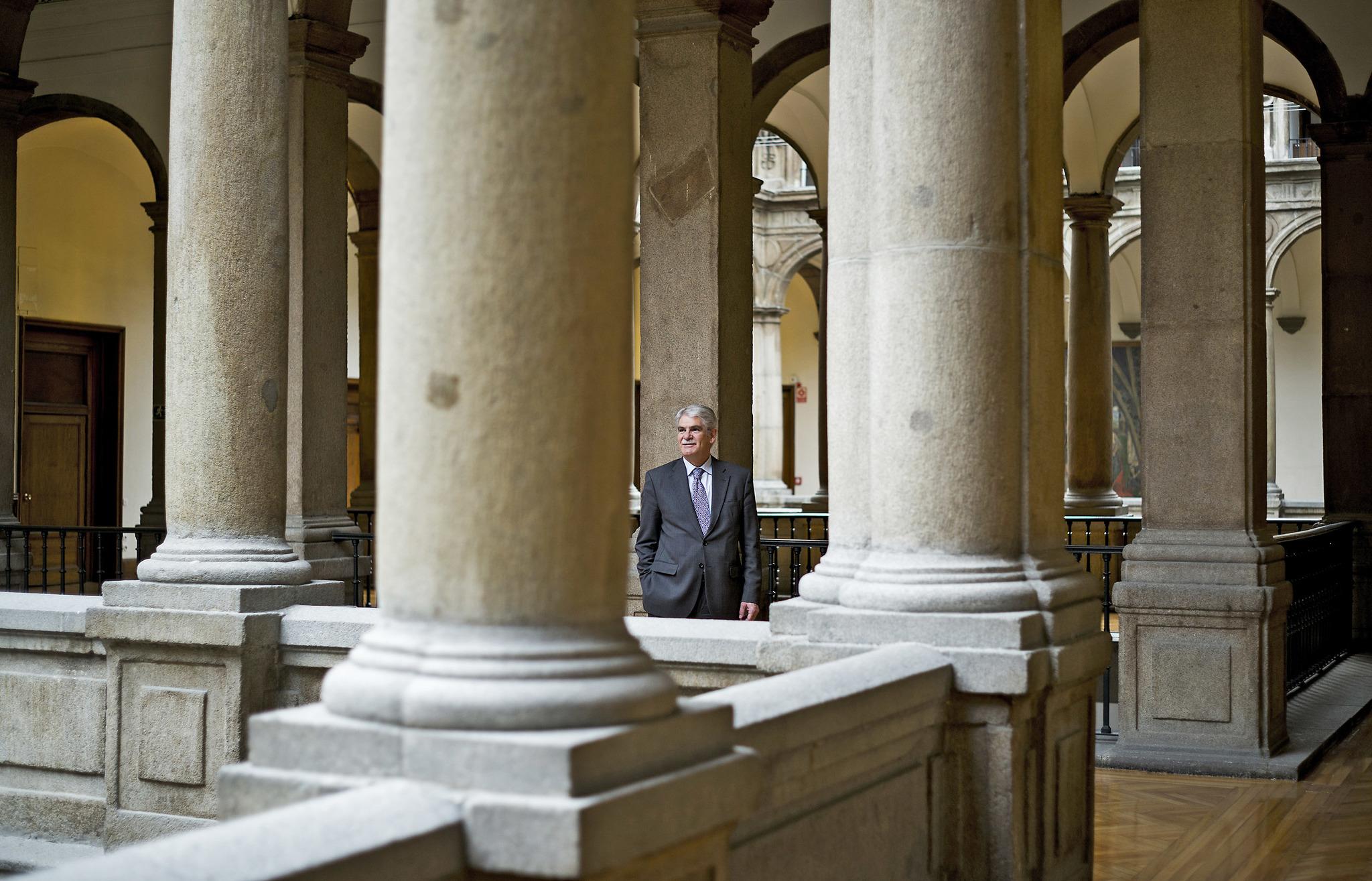 """Alfonso Dastis: """"Si no hay un Govern que gestione Cataluña, lo haremos nosotros con el artículo 155"""""""