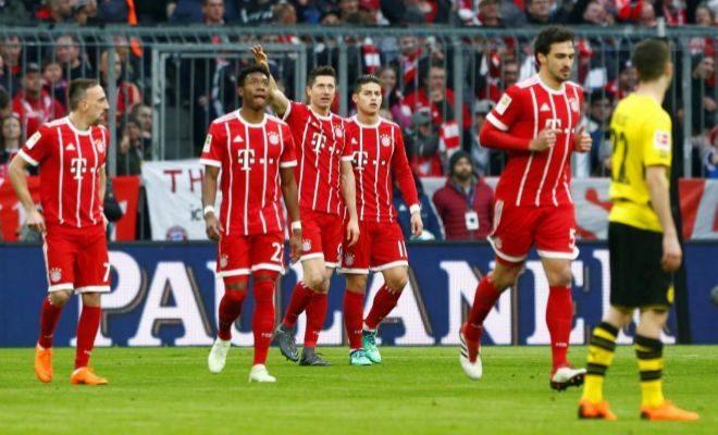 Lewandowski festeja su primer gol al Dortmund en el Allianz.