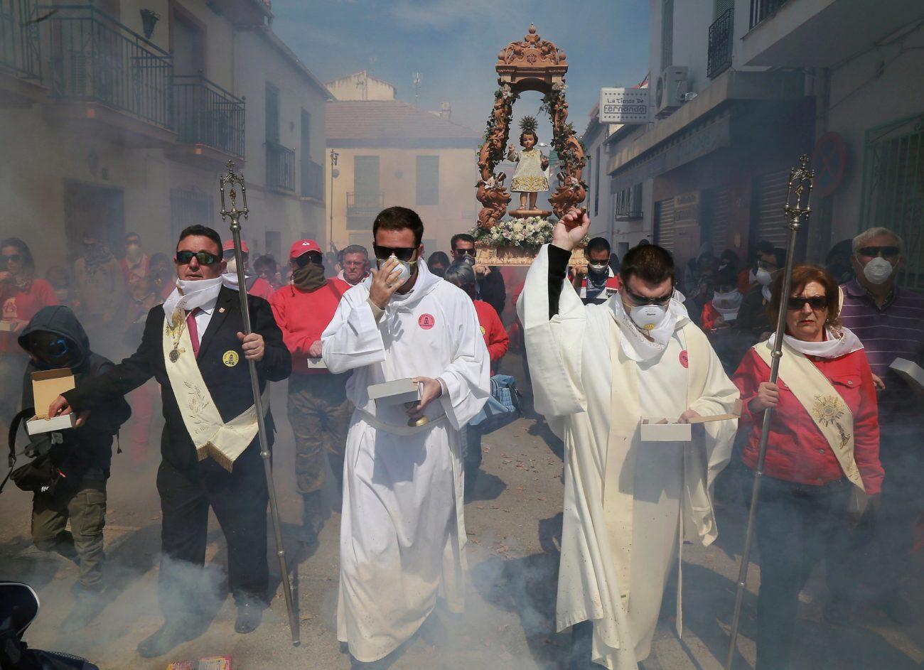 Cúllar Vega en Granada tira este domingo más de 100.000 petardos en...