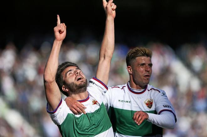 Pelayo Novo celebra un gol con el Elche, hace dos temporadas.
