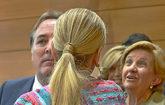 Cristina Cifuentes es felicitada tras el Pleno de la Asamblea de...