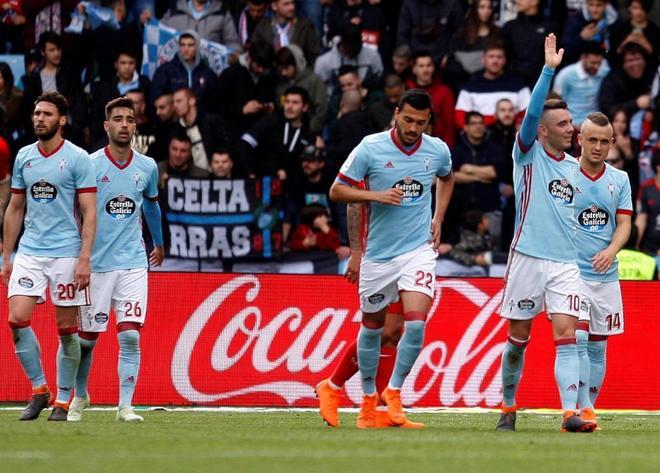 Los jugadores del Celta de Vigo celebran el cuarto gol marcado por Iago Aspas.