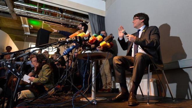 Carles Puigdemont, durante la rueda de prensa ofrecida en Berlín este...